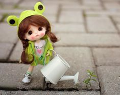 With a little bit of love, we can grow anywhere. Cute Kids Photos, Cute Cartoon Pictures, Cute Cartoon Girl, Cute Baby Dolls, Cute Toys, Beautiful Barbie Dolls, Pretty Dolls, Cute Miss You, Girly Drawings