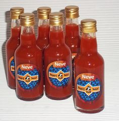 Garrafinha 50ml de pimenta. Decorativa na mesa ou para lembrança na sua festa boteco.