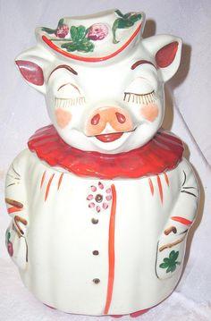 Vintage Shawnee Clover Bud Winnie Pig cookie jar/Kitchenalia at Jazz'e Junque in Chicago ~ www.jazzejunque.com