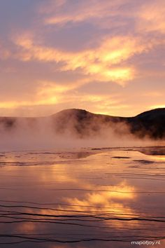 Grand Pricmatic Spring, park Yellowstone, USA - travel report on Map of Joy