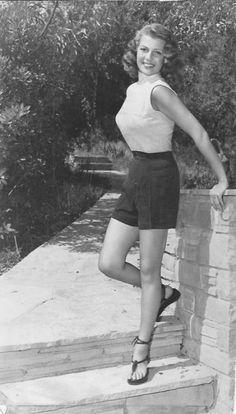 Theniftyfifties:  Rita Hayworth, 1953