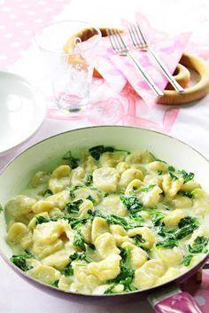 Gnocchi tejszínes, fokhagymás spenóttal