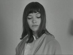 "Anna Karina in ""Le Petit Soldat"" [gif] Anna Karina, Pretty People, Beautiful People, How To Bayalage Hair, French New Wave, Jean Luc Godard, Pretty Hairstyles, Old Hollywood, Movies"