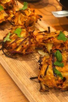 Indian Food Recipes, New Recipes, Healthy Recipes, Ethnic Recipes, Onion Bhaji Recipes, Cauliflower Pizza, Syn Free, Fresh Coriander, Slimming World Recipes
