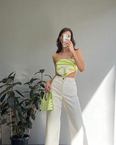 Indie Outfits, Retro Outfits, Trendy Outfits, Girl Outfits, Fashion Outfits, Outfits With T Shirts, Unique Outfits, Fashion Ideas, Fashion Tips