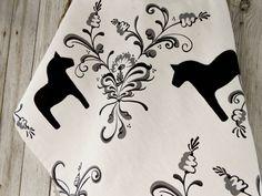 Bee towel linen towel bumble honey bee gift towel heart towel hand swedish horse kitchen towel dala horse tea towel scandinavian folk art dish towel dala horse towel gift for horse lover christmas gift negle Image collections