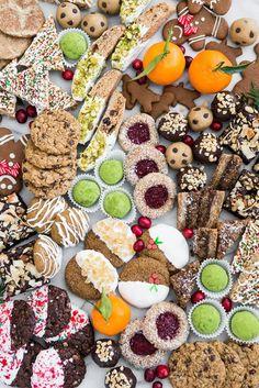 Ultimate DIY Vegan Cookie Board (oh she glows) Vegan Christmas Cookies, Holiday Cookies, Holiday Treats, Christmas Baking, Christmas Recipes, Christmas Treats, Whole Food Recipes, Vegan Recipes, Vegan Desserts