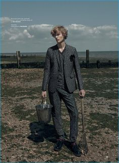 Sven de Vries dons a matching suit and t-shirt from Dior Homme for Esquire Singapore.