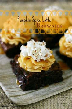 Pumpkin spice latte brownies from Yummy Crumble