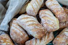 Kalljästa frallor – Lättbakat bröd | Fredriks fika - Allas.se Piece Of Bread, Our Daily Bread, Monkey Business, Fika, Baking Recipes, Tart, Food And Drink, Desserts, Dog