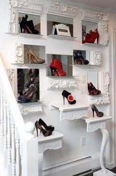 Дизайнерский подход в хранении обуви.