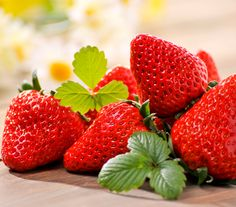 Foods That Are Good For Your Smile: Strawberries remove stains and rich in vitamin C