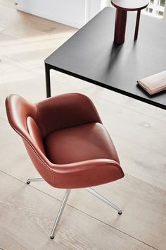 Swoon Chair Swivel Base by – a subtle, sculptural chair that can easily be personalised for interiors such as executive offices, meeting rooms and private residences. Swivel Chair, Armchair, Stellar Works, Space Copenhagen, Meeting Rooms, Cushion Fabric, Lounge Areas, Modern Interior Design, Chair Design