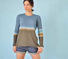 The loose fitting Pullover with overall texture in two different stitch patterns proposes variation in colour blocking and graded striping. Stitch Patterns, Knitting Patterns, Crochet Patterns, Sweaters For Women, Men Sweater, Different Stitches, I Cord, Knitting Yarn, Pullover