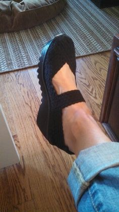 Great spring shoe. So comfortable. Seems to be the rage here in NY. By Bernie Mev