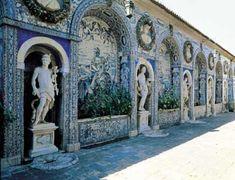 """""""Galería de las Artes"""",  Palacio Fronteira, Lisboa, ca. 1670. Beautiful Architecture, Beautiful Buildings, Beautiful Places, Portuguese Culture, Portuguese Tiles, Visit Portugal, Spain And Portugal, Camino Portuguese, Vacation Spots"""