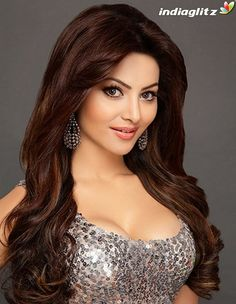 Urvashi Rautela Upcoming Movies List 2019 & Release Dates - MT Wiki Providing Latest Bollywood Actress Urvashi Rautela All upcoming New films list 2018 with Poster, Actress, Actors & other lead star cast. Beautiful Girl Image, Beautiful Gorgeous, Most Beautiful Indian Actress, Beautiful Actresses, India Beauty, Belle Photo, Beauty Women, Hair Beauty, Beauty Style