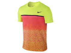 Looking to make a statement next time you step onto the court?  The Nike Challenger Printed Crew Men's Tennis Shirt will do just that.