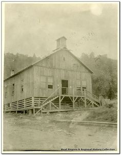 the very first courthouse wyoming county wv