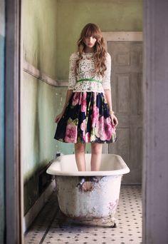 lace top, floral skirt, green belt