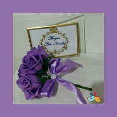 Buquê de noiva de eva lilás.
