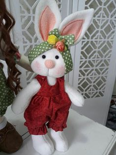 New Country Primitive Large Farmer Easter Bunny Standing Boy Doll With Carrots Easter Projects, Easter Crafts, Felt Crafts, Crafts To Make And Sell, Diy And Crafts, Fabric Animals, Sewing Dolls, Easter Wreaths, Felt Dolls