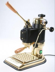 A spectacular Black and Gold La Cimbali Micrcimbali Espresso Machine LEVER by sorrentinacoffee. This thing is absolutely stunning! Coffe Machine, Espresso Coffee Machine, Cappuccino Machine, Coffee Cafe, My Coffee, Coffee Drinks, Coffee Shop, Coffee Pics, Coffee Truck