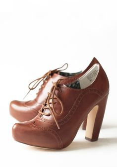Heel Oxford Lace Up
