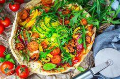 Pizza bezglutenowa przepis. Zaskakujący jest niewielki skład potrzebnych składników na spód ciasta - tylko 4 składniki, a pizza jest pyszna i chrupiąca.