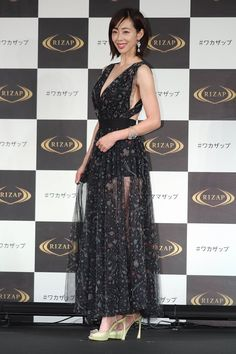 Actresses, Formal Dresses, Sexy, Instagram, Fashion, Female Actresses, Dresses For Formal, Moda, Fashion Styles