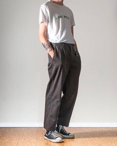 Smart laid back skater style for men Indie Fashion Men, Streetwear Fashion, Fashion Styles, Street Fashion, Korean Summer Outfits, Laid Back Outfits, Skater Outfits, Aesthetic Clothes, Daddy Aesthetic