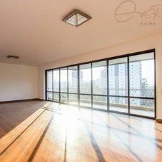 @Regrann from @every_home -  Nenhum projeto de iluminação substitui o prazer do Sol entrando pela janela de casa! Este apartamento impecável com 290m de área útil e 560m de área total dentro de um condomínio com ampla área verde em Santo Amaro está disponível para fazer parte da sua vida.  Saiba mais detalhes com nossa equipe ligue (11) 5523.2333 CÓDIGO EH67 #everyhome #imoveiseveryhome #everyhomealuga #apartamento #casanova #santoamaro #altopadrão #mercadodeluxo #lardocelar #sunlight…