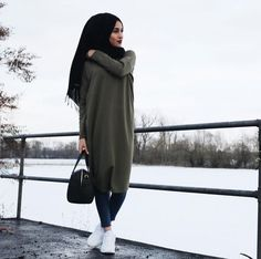 Bags & Handbag Trends : Hijab style and modest outfits Just Trendy Girls Islamic Fashion, Muslim Fashion, Modest Fashion, Hijab Fashion, Fashion Outfits, Style Fashion, Hijab Outfit, Girl Hijab, Mode Outfits