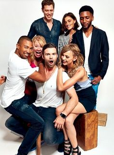 Image shared by Find images and videos about tvd, The Originals and phoebe tonkin on We Heart It - the app to get lost in what you love. Vampire Diaries Poster, Vampire Diaries Wallpaper, Vampire Diaries Funny, Vampire Diaries Cast, Vampire Diaries The Originals, The Originals Tv Show, Klaus The Originals, Originals Cast, Charles Michael Davis