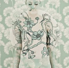 emma hack camouflages painted people in intricate patterns