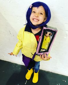 Kate Sargent @kittiwakekate  5h5 hours ago     Found @LAIKAStudios #coraline doll by #neca at #LFCC2017 it made calis whole year!! Look how pleased she was!! @Showmasters @neilhimself