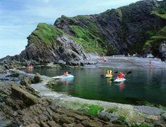 Canoeing in the UK Cornwall Breaks, Devon And Cornwall, Canoeing, Kayaking, Places To Travel, Places To See, Visit Devon, Devon Holidays, British Countryside