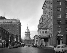 Springfield Illinois, 1954. Looking down Capitol Street at the corner of 6th. Courtesy of the State Journal-Register