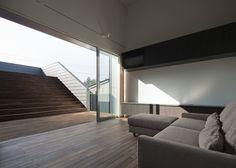 Terrace Step House by HUG