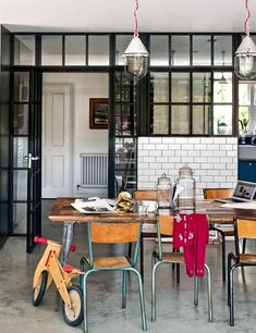 black steel frame french doors   ... black metal framed glass door and wall . Foto   Photo : HOUSE TO HOME