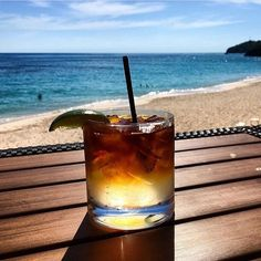 It's #NationalRumDay and if there is one thing we do well in #Bermuda it's rum! (OK and beaches crystal clear water snorkeling food...we're kind of the whole package). This capture of a Bermuda favorite the infamous Dark 'n Stormy by @bumbyfoto has us ready to celebrate this momentous day Bermuda-style!  Drink responsibly friends.  #Biteofbermuda #bermuda #bermudaeats #bermudafood #wearebda #darknstormy #rum #cocktail #sipofbermuda #blackrum #gingerbeer #drink #islandlife #yum  by @bumbyfoto