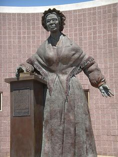 Sojourner Truth Monument in my home area of Battle Creek, Michigan. You find this statue as you come into the city off the main route in, down into the edge of downtown. Statues, Black History Facts, History Photos, African American History, Public Art, African Art, Female Art, Battle Creek, Sculpture Art