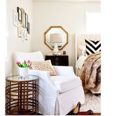 A JWS black and white bedroom with touches of gold. Pic by @stacibeth2000