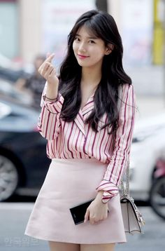 Suzy is a visual queen, who's always looking incredible! Here are times Suzy turned up in her casual fashion, and served only looks! Korean Women, Korean Girl, Suzy Bae Fashion, Korean Beauty, Asian Beauty, Miss A Suzy, Jupe Short, Bae Suzy, Korean Celebrities