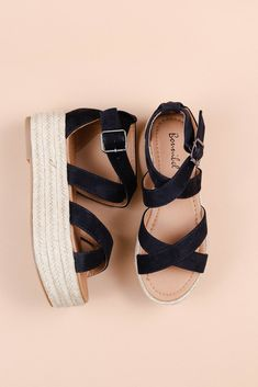 17 Wonderful Platform Sandals Blowfish Platform Sandals Open Toe - Deafening Tutorial and Ideas Sandals Outfit, Dress Shoes, Dress Clothes, Cute Shoes, Me Too Shoes, Heeled Espadrilles, Simple Shoes, Barefoot Shoes, Minimalist Shoes
