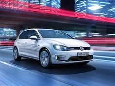 Volkswagen has unveiled the new Golf GTE plug-in hybrid ahead of its world debut at the Geneva Motor Show next month, which is rated at 157 mpg on the EU cycle. Volkswagen Golf, Audi A3, Vw Parts, Auto Motor Sport, Bike News, Thing 1, First Drive, Car Magazine, Brazil