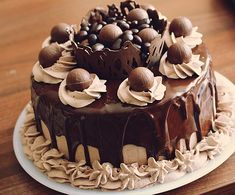 Tort cu ciocolata Nestle Dessert - Rețete Papa Bun Caramel, Something Sweet, Bacon, Cheesecake, Ice Cream, Sweets, Cookies, Desserts, Food