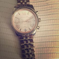 Michael Kors boyfriend watch in Rose Gold 💛 It has scratches on glass which can be buffed or replaced and a tiny fading on clasp but I ALWAYS get complements on this watch. Michael Kors Other