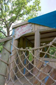 Bur Oak Clubhouse #tree #nature #kids #play....like the idea of a rope