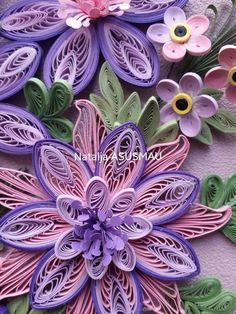 Quilling Videos, Quilling Techniques, Quilled Paper Art, Paper Quilling Designs, Quilling Flowers, Quilling Art, Diy And Crafts, Paper Crafts, Fuchsia Flower